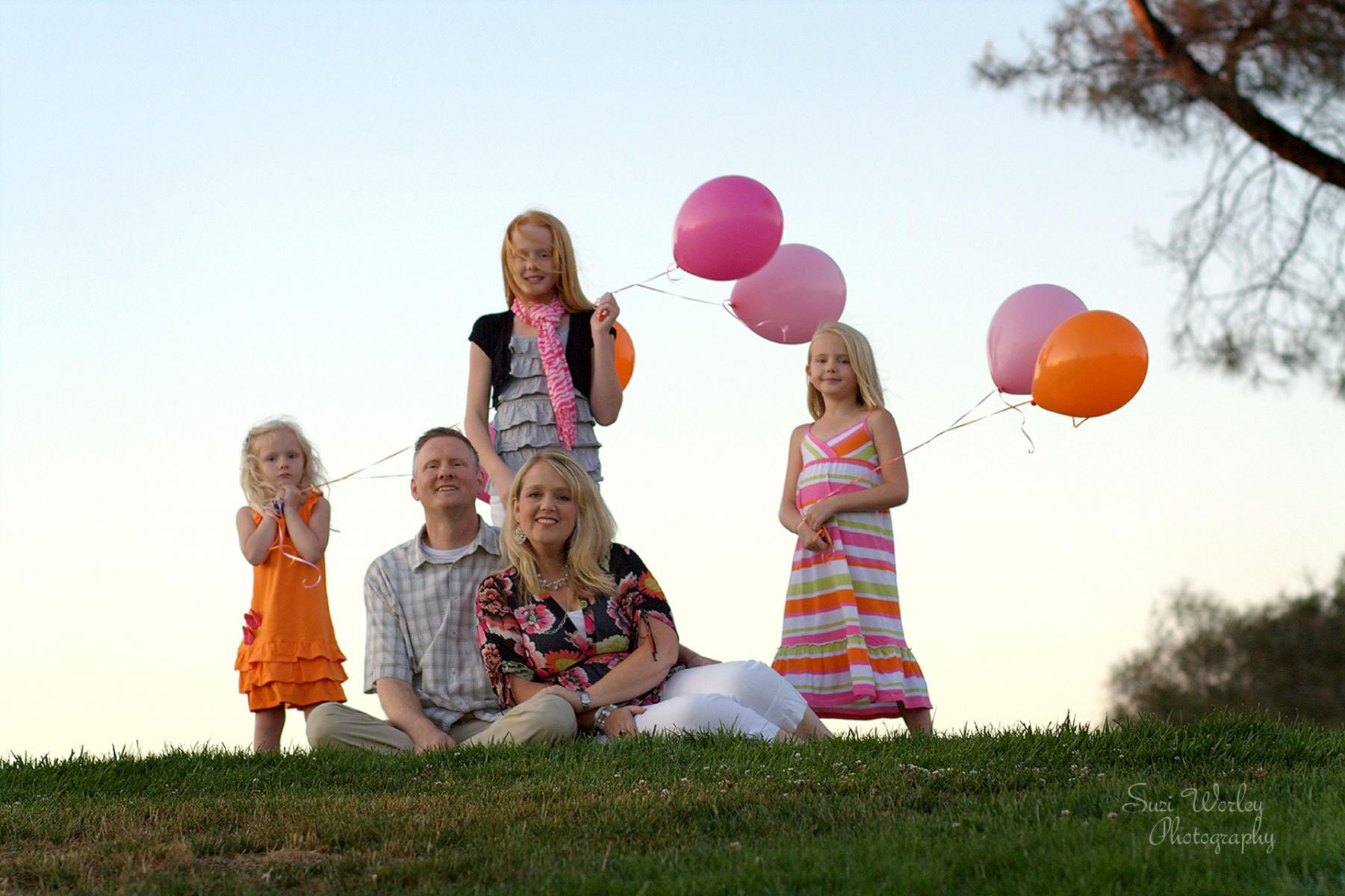Fun springtime session with Balloons! Fall family session.  #pre-teengirls #TeenVogue #photosession  #familySession #SpringSession #SuziWorleyPhotography